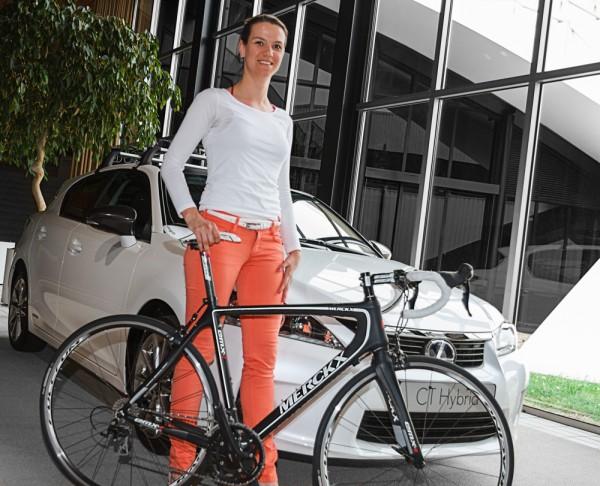 CT-200h-Femke-Baeten-en-fiets