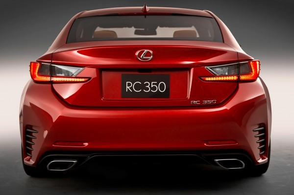 2015-Lexus-RC-rear-view