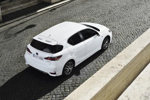 20140225_07-Lexus_nieuwe_CT_200h_ultieme_bereikbare_verfijning_introductie