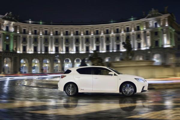 20140225_10-Lexus_nieuwe_CT_200h_ultieme_bereikbare_verfijning_introductie
